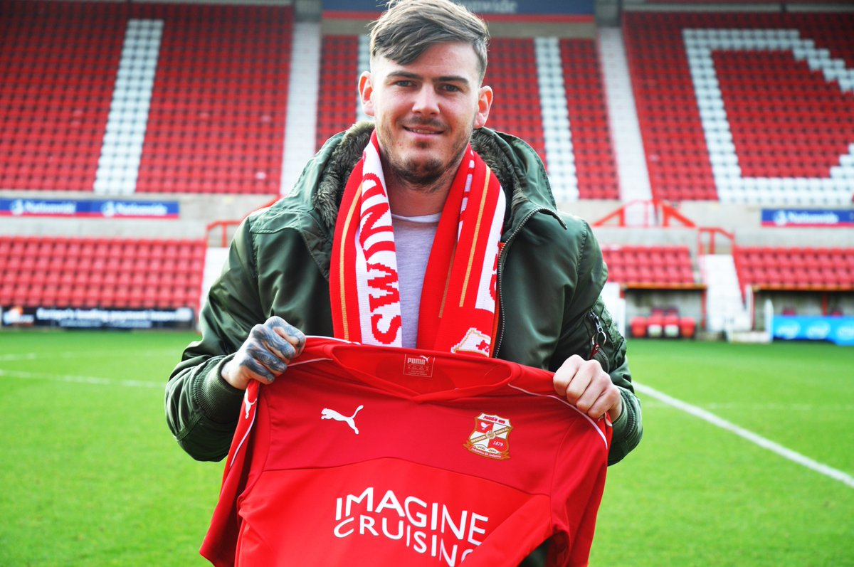 Swindon Town sign Ben Gladwin on loan from QPR until the end of the season