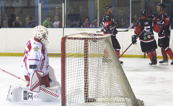 SNAPPED: Swindon Wildcats win opening game of the season