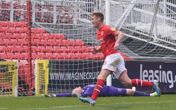 PLAYER RATINGS: Swindon Town (1) v (0) Mansfield Town