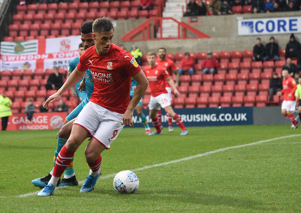 Yates praises team performance as Town made to dig deep by Mansfield