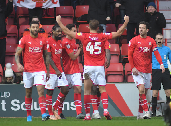 MATCH REPORT: Swindon Town (3) v (0) Port Vale