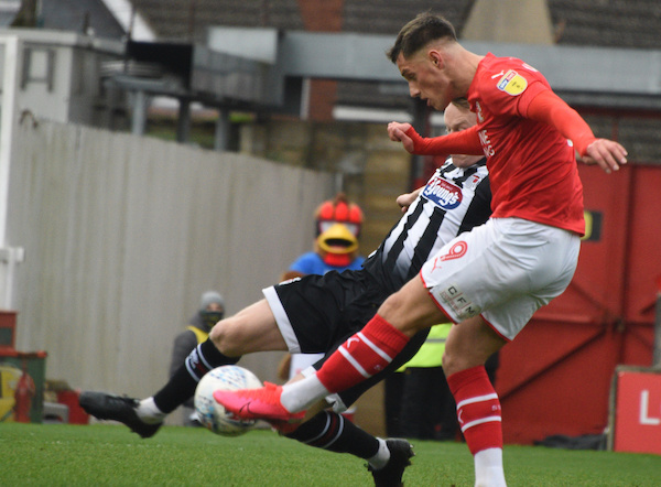 swindon town grimsby town match report