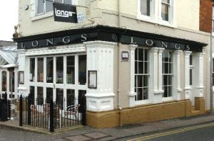 Swindon Club Owner Plans to Inject New Lease of Life into Longs Bar