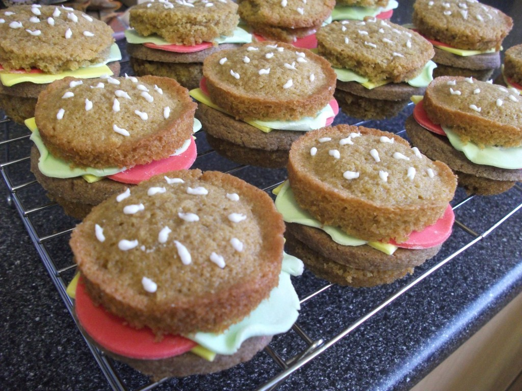 Recipe: Mini Burger Cakes
