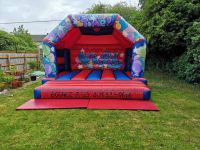 £10 Off Bounce R Us's Bouncy Castle Hire