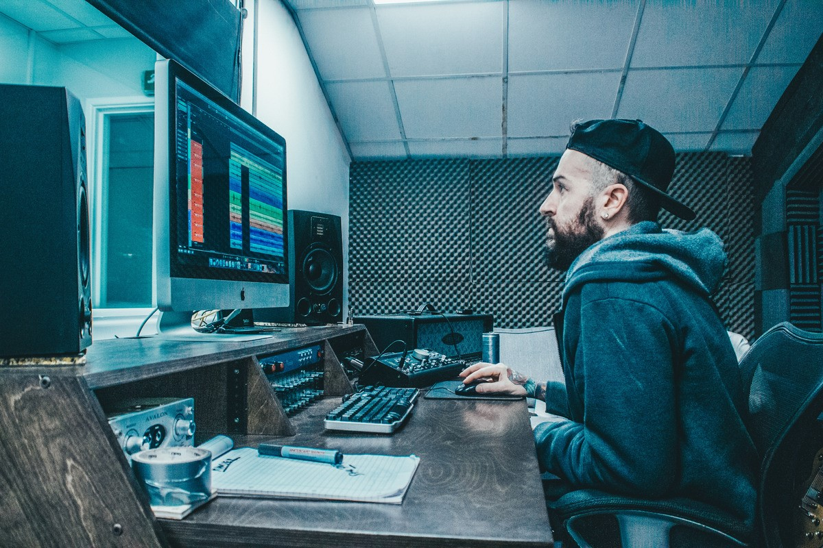 New website sounds just the business for recording studio