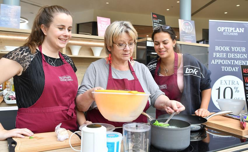 Snapped: Swindon Designer Outlet Food Festival