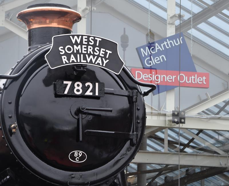 SNAPPED: Swindon Designer Outlet Train Move