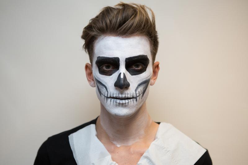 Halloween Face Painting - Skeleton
