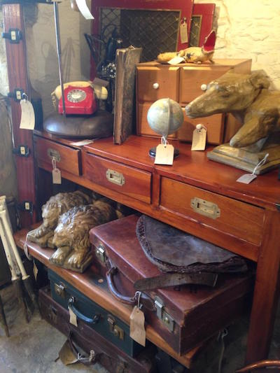 Lechlade Antiques, Curios & Lighting